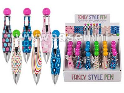 Fancy pen display